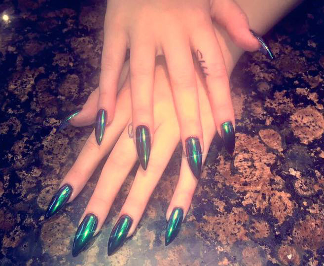 What Are Stiletto Nails?